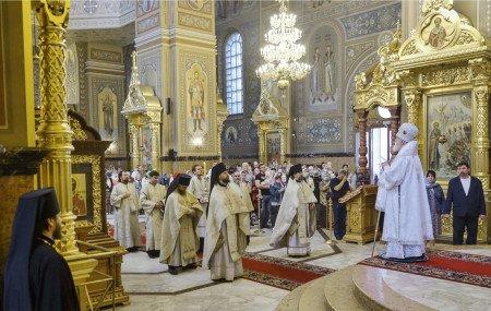 Архиерейское богослужение в Николо-Угрешском монастыре